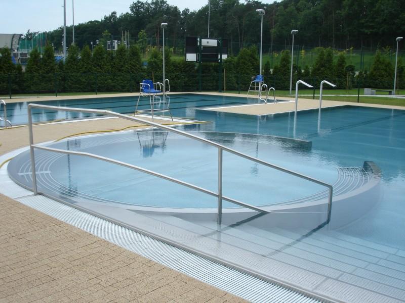 publiczny basen zewnętrzny